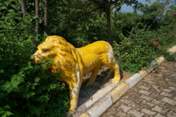 these funny lions were all over the city - I wasn't sure if it was a campaign, like the cows in Chicago, or if they had all come from some torn-down amusement park