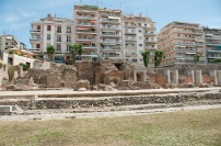 the old Agora backs right to the modern city, like Alexandria in Egypt