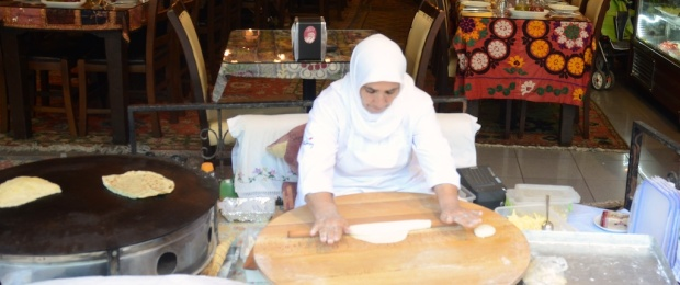 A women makes gozleme in Istanbul.