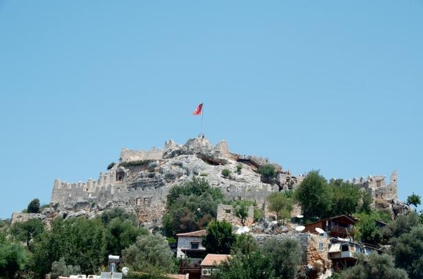 that's an Ottoman fortress atop Kekova town