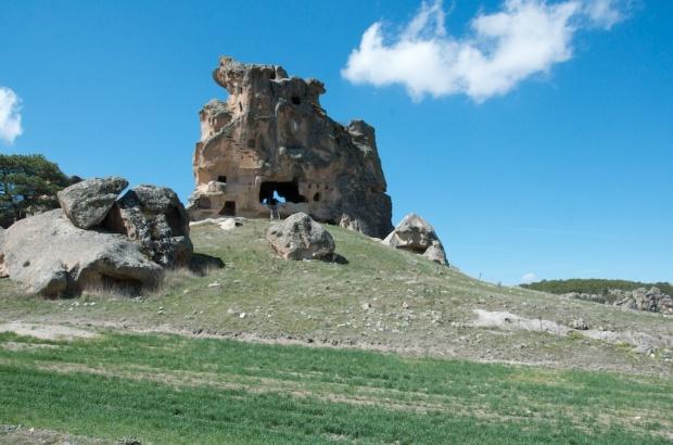 Doğal Kale (Hawk Castle)