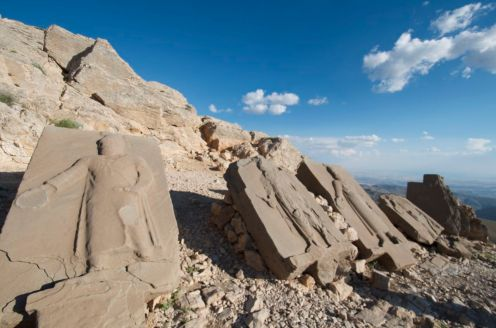 these plates are also on the south side of Mt. Nemrut